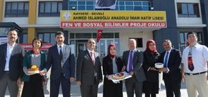 Mehmetçiğe Destek Çığ Gibi Büyüyor