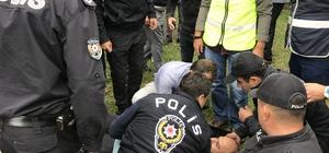 Sapanca'da teleferik gerginliği Polis ekipleri teleferik kurulmasını istemeyen kişilerin çadırlarını kaldırmak istedi Olayda vatandaşlar ve polis baygınlık geçirdi