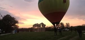 Karacasu'da semalarında yükselen balon dikkat çekti Karacasu'da festival dolu dolu devam ediyor