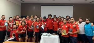 Yeşilyurt Belediyespor'da Mehmet Ak'tan futbolcularına farklı motivasyon teknikleri