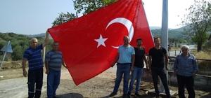 Toygar Mahallesi semalarında dev Türk bayrağı
