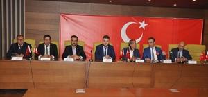 Uşak iş dünyasından Barış Pınarı Harekatı'na destek Uşak'ta STK'lar Barış Pınarı Harekatı'na destek için bir araya geldi
