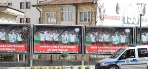 """Milli takım futbolcularının asker selamı Nevşehir sokaklarında Nevşehir Belediyesi, """"Madem Fransa göstermedi, biz gösterelim"""""""