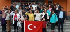 Öğretmenlerden UEFA'ya tepki selamı Öğretmenlerden Barış Pınarı'na selam