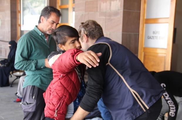 Erzurum'da Kaçak Afgan uyruklu şahıslar Doğu Ekspresine binerken polise yakalandı ile ilgili görsel sonucu