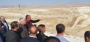 DSİ Genel Müdürü Aydın'dan Eskişehir Gökpınar Barajında inceleme Barajının tamamlanması ile 80 bin dekar arazide sulu tarım yapılacak, ülke ekonomisine yıllık 56 milyon 185 bin 600 TL katkı sağlanacak