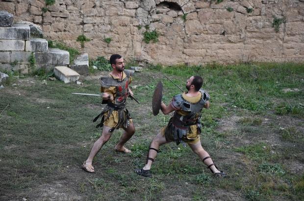 Antik kentte gladyatör dövüşleri nefesleri kesti 2 bin yıllık ölüm kalım savaşları izleyenlerin nefesini kesti