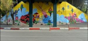Altıeylül'de duvarlar renkleniyor