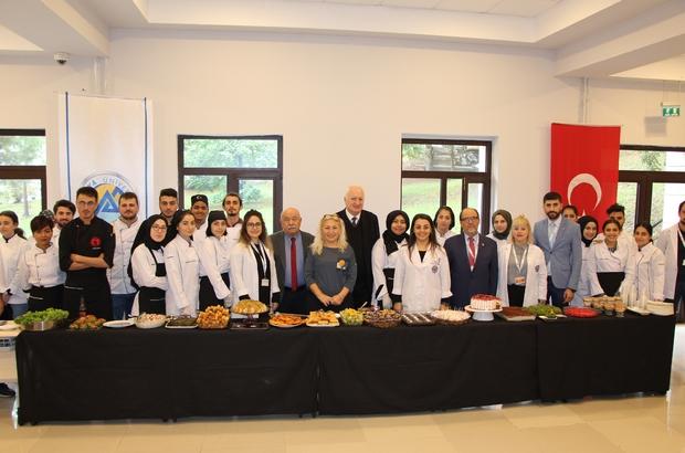 """Aşçılık parlayan meslek Avrasya Üniversitesi aşçılık programı """"Dünya Aşçılar Günü'nü kutladı"""