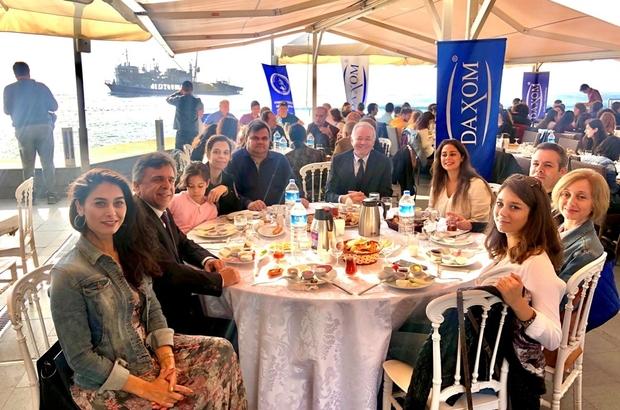 Aydın Vakfı, İstanbul'daki Aydınlı öğrencileri bir arada topladı Kahvaltıda buluşan Aydınlı üniversite öğrenciler memleket havası aldı
