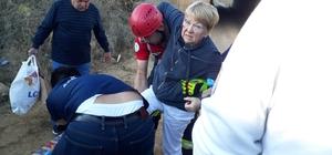 Turistleri taşıyan minibüs ile traktör çarpıştı: 10'u yabancı uyruklu 12 yaralı