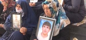 """Anneden terörün gerçek yüzünü gösteren sözler """"Bu Kürt, Türk davası değil, bu Hristiyanlıktır"""" HDP önündeki ailelerin evlat nöbeti 54'üncü gününde Ailelerin direnişi sürüyor"""