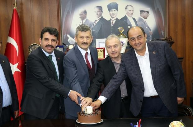 Başkan Demirtaş'tan İl Başkanı Tosun'a doğum günü sürprizi