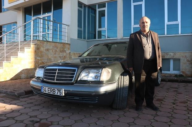Erbakan'ın otomobilini değerinin iki katı ödense de satmıyor Sivas'ta yaşayan Cemil Laçiner, uzun uğraşılar sonucu satın aldığı eski Başbakanlardan Necmettin Erbakan'a ait otomobili değerinin iki katının ödenmesine rağmen satmıyor