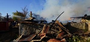 Kastamonu'da yangın: 1 ev, 2 samanlık, 1 ahır küle döndü