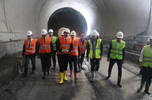 Karadeniz'i Akdeniz'e bağlayacak tünelde son 500 metre kaldı Geminbeli Tüneli'nde ara verilen inşaat çalışmaları 1 yılın ardından yeniden başladı