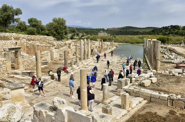 Kaş'taki ören yerlerine ziyaretçi akını Xanthos ve Patara Antik Kenti, bu yıl 202 bin 213 ziyaretçiyi ağırladı
