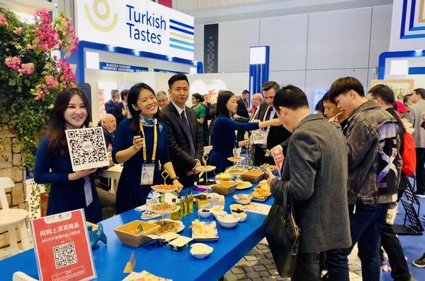 Çin'e gıda ihracatında hedef 1 milyar dolar Çinliler, Türk lezzetleri için kuyruk oldu Ege İhracatçı Birlikleri gıda ve tarım alanlarında Türkiye - Çin arasında elçilik yapacak