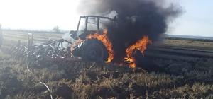 Tekirdağ'da traktör alev alev yandı