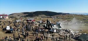 Trabzon'daki gergin yıkım Trabzon'un Düzköy ilçesi Haçka Yaylası'ndaki kaçak 5 villanın yıkımı tamamlandı