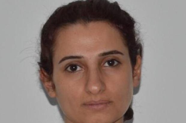 Bombalı saldırı için Türkiye'ye gelen kadın terörist yakalandı Adana terör polisi, büyükşehirlerde bomba patlatarak Türkiye ekonomisini hedef almayı amaçlayan YPG'li kadın terörist ve ona yardım eden 3 kişiyi yakaladı Kadın teröristin verdiği koordinatlarda ise Ankara Güven Park önünde patlatılan bombanın aynısından bulundu 4 zanlı çıkarıldığı nöbetçi sulh ceza hakimliği tarafından tutuklandı