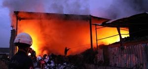 Geri dönüşüm fabrikasındaki yangın 2 buçuk saat sonra kontrol altında Yangında 1 itfaiye eri dumandan etkilendi Soğutma çalışmaları sürüyor