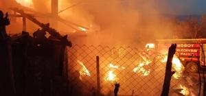 Yangında ahşap ev kullanılamaz hale geldi