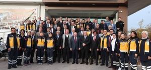 """Eskişehir'e hayat verecek 4 yeni 112 istasyonu daha açıldı İl Ambulans Servisi Başhekimi Dr. Veli Görkem: """"112 Acil Sağlık Hizmetleri 500'ü aşkın personelle yılda 65 bin hastamıza hizmet vermektedir"""" Eskişehir Valisi Özdemir Çakacak """"Eskişehir bölgede bir sağlık üssü durumuna geldi"""""""