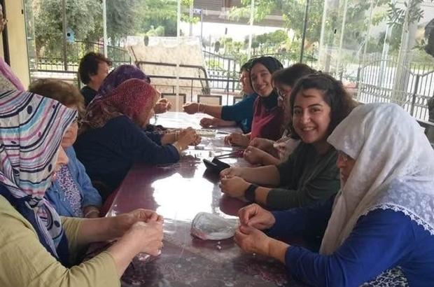 İki nesil ADÜ'lü öğrencilerin projesi ile bir araya geldi ADÜ'lü öğrencilerden sosyal sorumluluk projesi