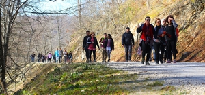 Doğaseverler Akyazı'da yürüyüş yaptı