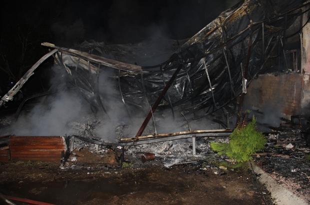 Aydın'da şüpheli yangın Şüpheli bulunan yangında kır düğün salonu tamamen yandı