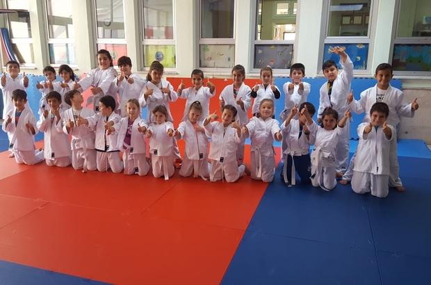 Minikler spora judo ile başlıyor Kuşadası İlköğretim Okulu, Türkiye'deki 20 pilot okuldan biri oldu
