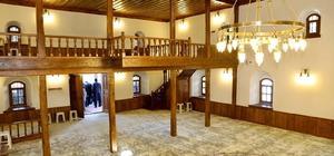 Numan Kurtulmuş, restorasyonu yapılan 130 yıllık tarihi camiyi ibadete açtı