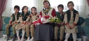 Şehit öğretmen İlyas Acar'ın ailesine duygulandıran ziyaret Şehit öğretmenler anısına işaret diliyle klip çektiler