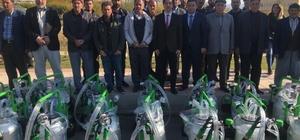 Hazro'da çiftçilere 29 adet süt sağım makinesi dağıtıldı