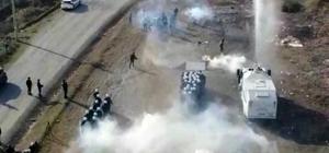 Sakarya Çevik Kuvvet ekiplerinin tatbikatı nefes kesti Çevik Kuvvet ekipleri TOMA ve göz yaşartıcı gazlar ile eylemcilere müdahale etti