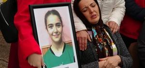 Kazada ölen genç sporcular, son yolculuğuna uğurlandı Yozgat'ta hentbol sporcularını taşıyan minibüsün devrilmesi sonucu hayatını kaybeden iki sporcu, gözyaşları eşliğinden uğurlandı