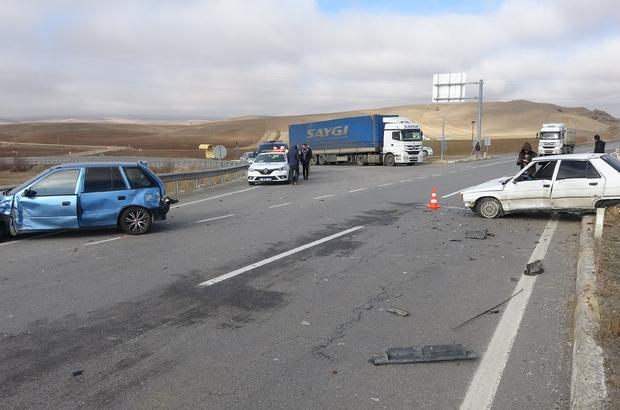 Sivas'ta trafik kazası: 2 yaralı Sivas'ta meydana gelen trafik kazasında 2 kişi hafif şekilde yaralandı