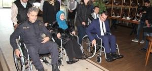 Protokol, 3 Aralık Dünya Engelliler Günü'nde tekerlekli sandalyeye bindi