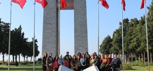 ÇOMÜ'de birinci sınıf öğrencilerine yönelik şehitlik ziyaretleri projesi devam ediyor
