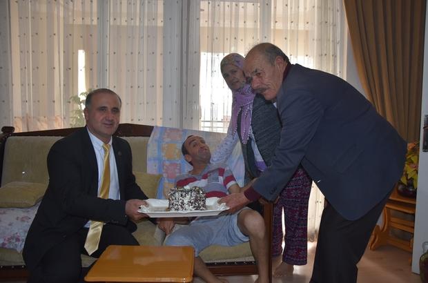 İncirliova'da engellilere sürpriz doğum günü ziyareti