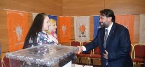 Başkan Ekrem Başaran delege seçimlerini izledi AK Parti Balıkesir'de delege seçimlerine start verildi