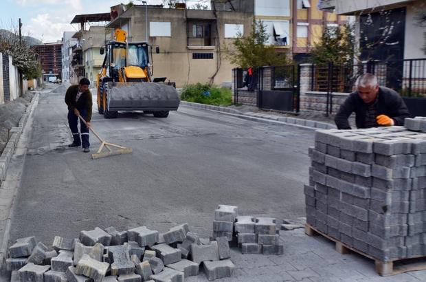 Söke Belediyesi'nin yol yapım çalışmaları devam ediyor