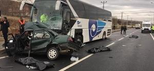 Kırşehir'de feci kaza: 3 ölü 1 yaralı Yolcu otobüsü ile otomobil çarpıştı
