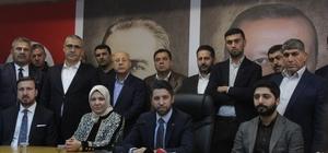 """Ay: """"Sinerjisi yüksek bir yönetim olacağız"""" AK Parti Adana İl Başkanı Mehmet Ay, yüzde 30'unu kadınların oluşturduğu 50 kişilik yönetim kurulunu tanıttı Ay: """"Listemiz kapsayıcı bir listedir. Bugüne kadar en katılımcı ve eşitlikçi liste oldu"""" """"Partisi fark etmez her belediyeye hizmet konusunda eşit mesafedeyiz"""""""