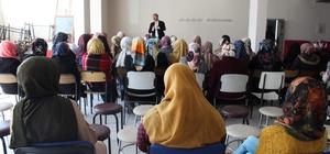 Muradiye'de 'Kadına Yönelik Şiddetle Mücadele Eğitimi' semineri