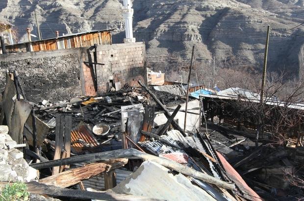 Erzurum'daki köy yangınında 10 ev, 2 ahır kullanılamaz hale geldi