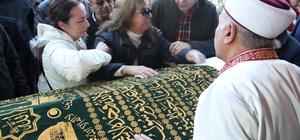 Anne Asuman Sarp'ın son vedası yürekleri dağladı Efe Sarp, vasiyeti üzerine baba ocağı Karacasu'da toprağa verildi
