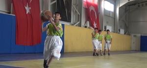 Kırıkkale'de çocuklar ilk kez basketbolla tanıştı Kırıkkale'de '40 Köy 40 Basketbol' projesi