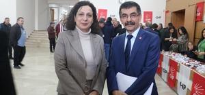 CHP'de gergin kongre Gergin geçen CHP Sivas Merkez İlçe Başkanlığı Kongresinde Celal Abbas Aslan, oy çoğunluğu ile yeni merkez ilçe başkanı seçildi